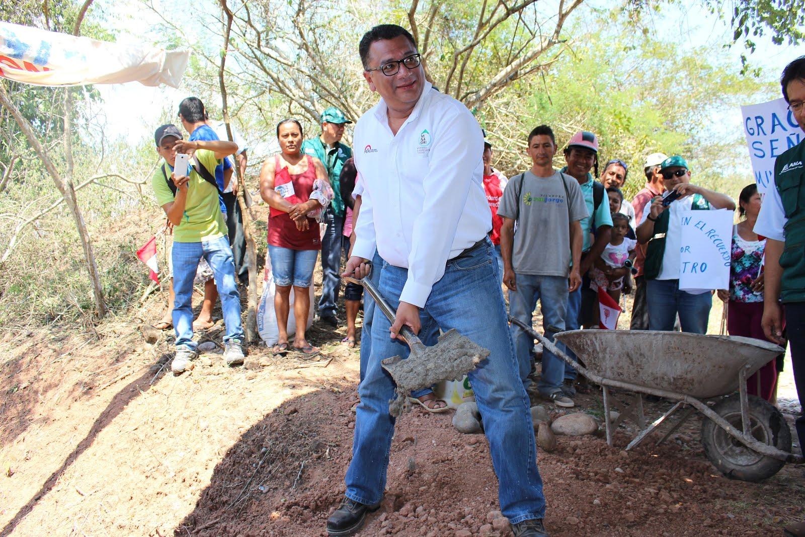 Ministro de Agricultura colocó primera piedra en proyectos de infraestructura de riego en Picota. P