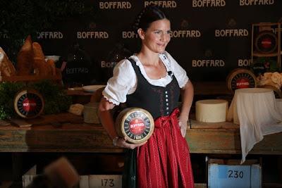 Samantha Vallejo Nagéra en la presentación de Quesos Boffard. Blog Esteban Capdevila