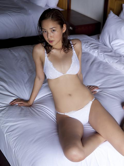 Kaho Takashima Sexy In White Lingerie