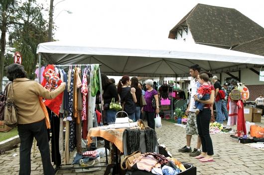 Aparadores Vintage El Corte Ingles ~ Ong Oscip Impacto Social Notícias Sábado na Estaç u00e3o com música, Mercado de Pulgas e Feira de