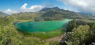 dieng,mount,travelling,adventure,backpaking,plateau,central,java,indonesia
