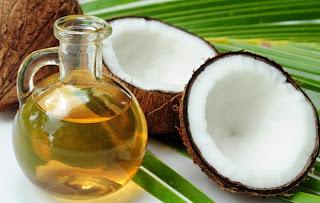 Menjaga Kesehatan Rambut dengan Minyak Kelapa