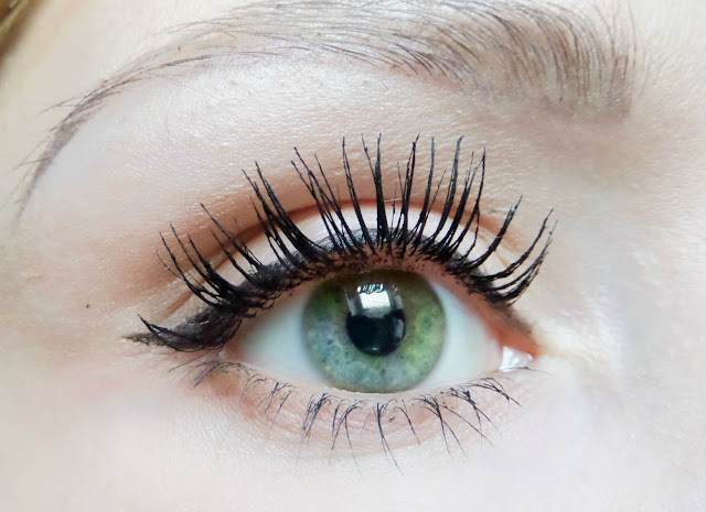 Maybelline Lash Sensational Mascara On