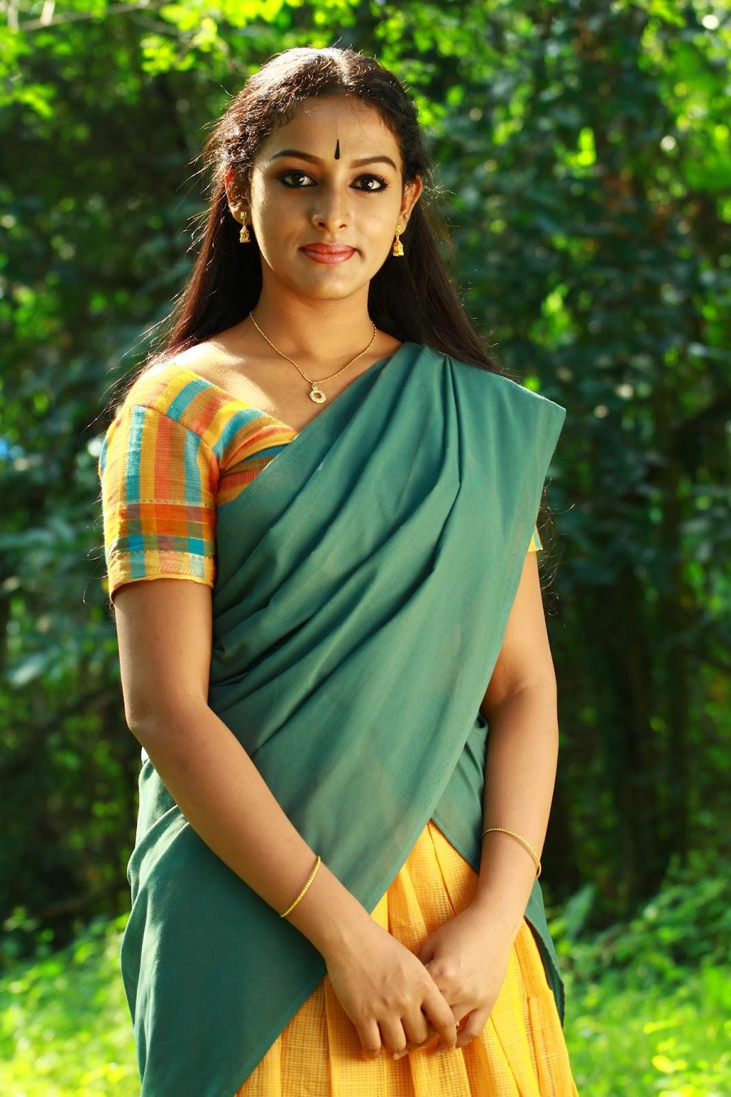 Asianet serial actress Mahalakshmi cute photo-malayalam serial actress