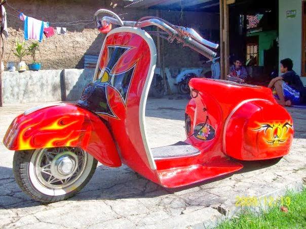 Modifikasi Motor vespa merah ceper keren