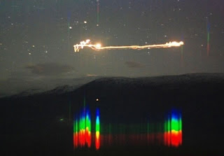 Da Uomo Grigia Gandalf la scienza è magica T-SHIRT numero Atomico Tavola Periodica Top