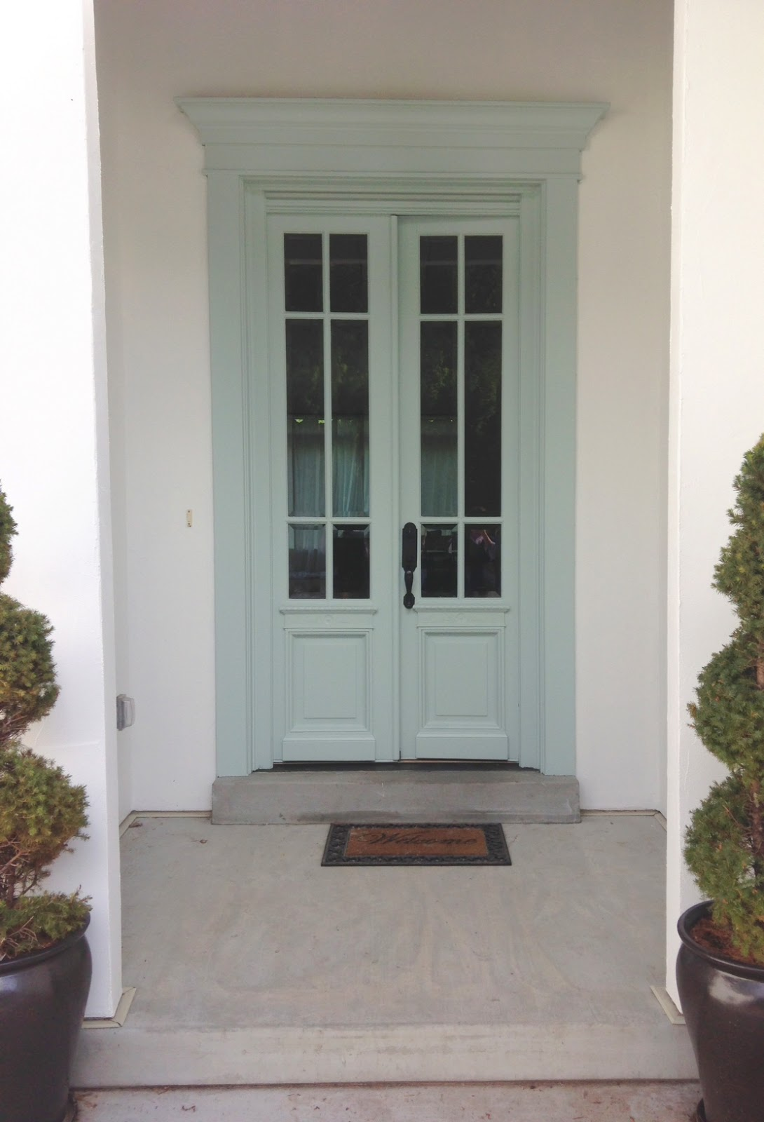 White gold exterior paint face lift for Houses with double front doors