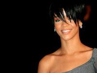 Barbados Star Rihanna nude show
