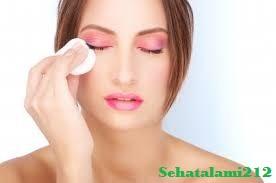 Cara Membersihkan Make up Secara Alami dan Sehat