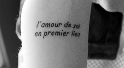 Tatuagens Femininas com Frases de Amor