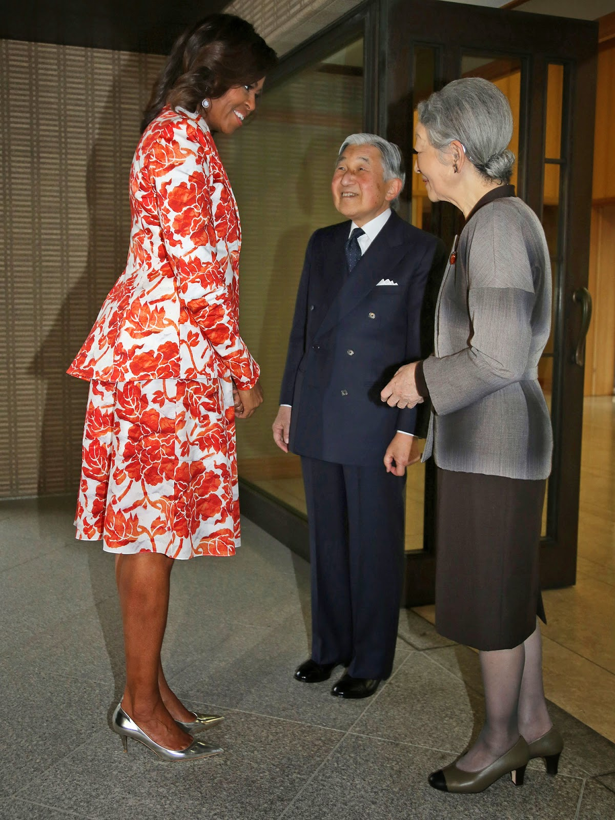 En asie et au pacifique: bill clinton et michelle obama au japon