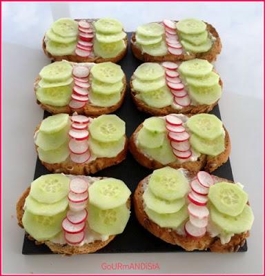 image-Toasts radis, concombre et crème de chèvre