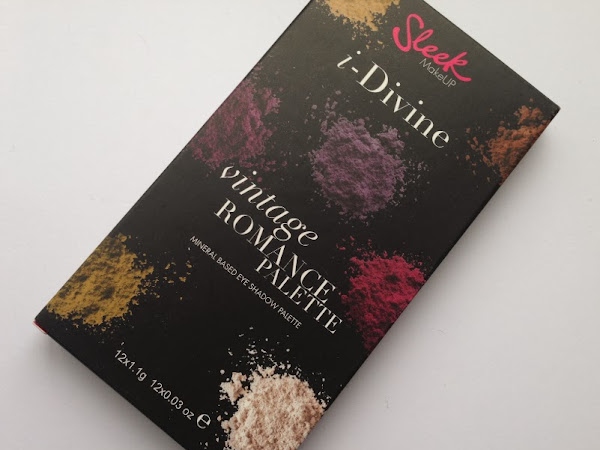 Sleek I-Divine Vintage Romance Palette.