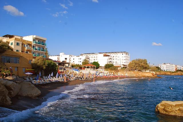 Пляж у отеля Армава ранним утром