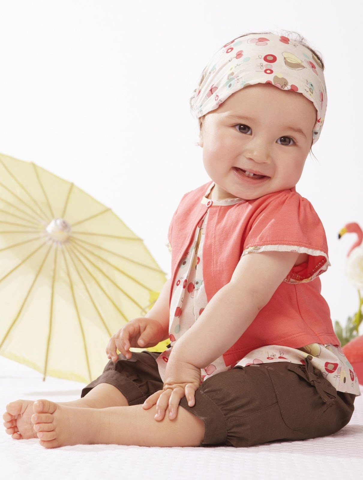 Warm weather is on its way! From flowered dresses to swim sets, shop Tea Collection's baby girl clothes for seasonal style.