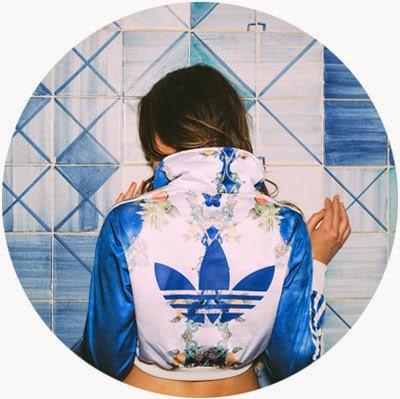 coleção Farm e Adidas Originals jaqueta cropped estampa índigo Papaya