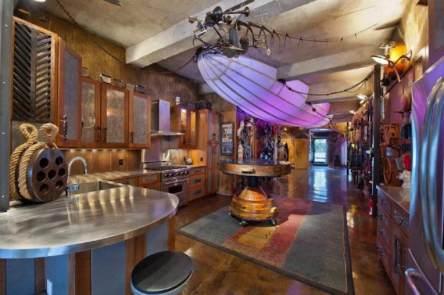 Jules Verne hätte an dieser Einrichtung einer New Yorker Wohnung als Filmkulisse seine Freude gehabt