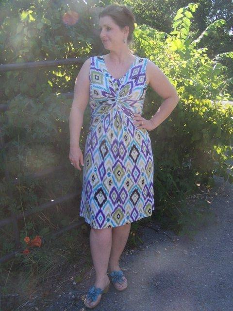 But then today, Cennetta posted pics of her make of Simplicity 2181