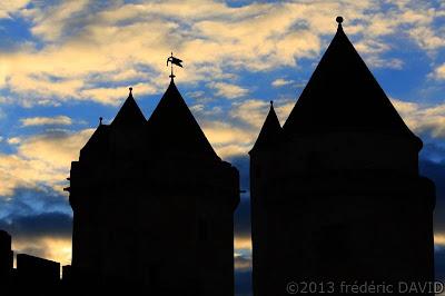 silhouettes ombres ciel château fort Blandy-les-Tours Seine-et-Marne
