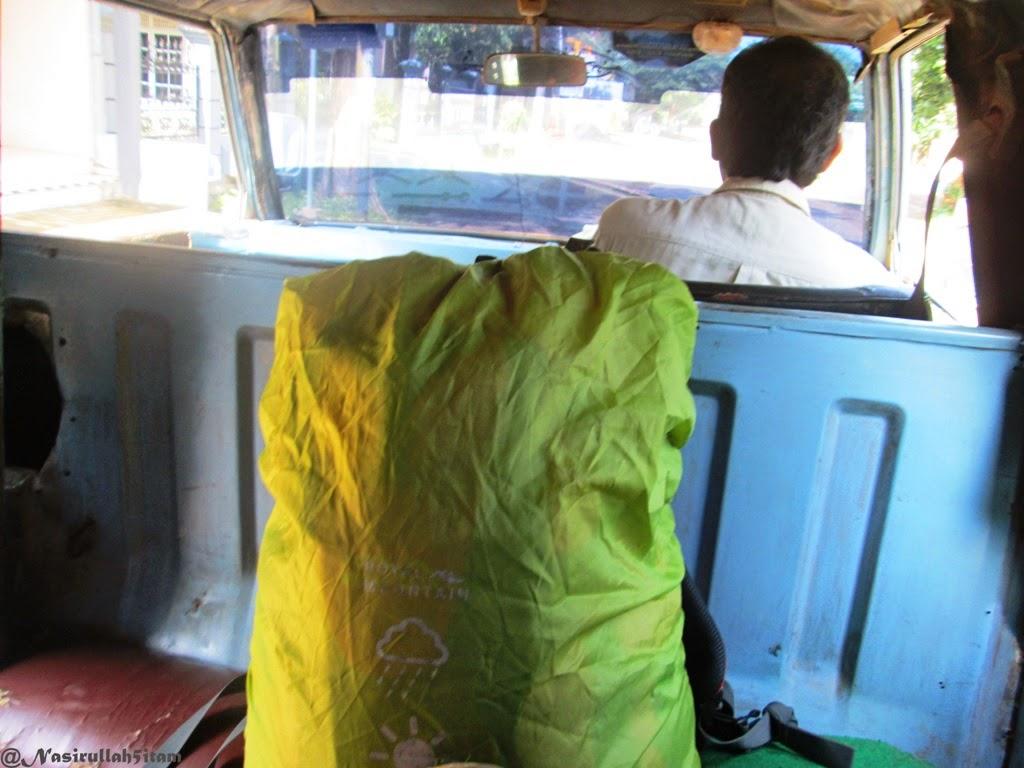 Naik angkot menuju kota Jepara