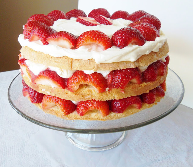 Beautiful Strawberry Cake Images : Our Beautiful Mess: TWD: French Strawberry Cake