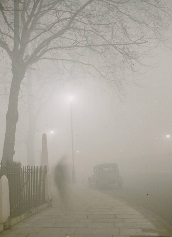 vintage everyday photos of the london smog disaster of 1952