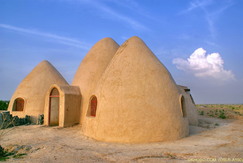 Tech and pics excellent pictures of mud houses for Houses images pictures