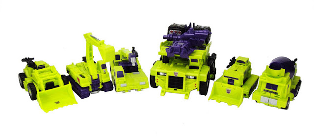 Transformers Unite Warriors UW-04 Devastar AKA Devastator official image 02