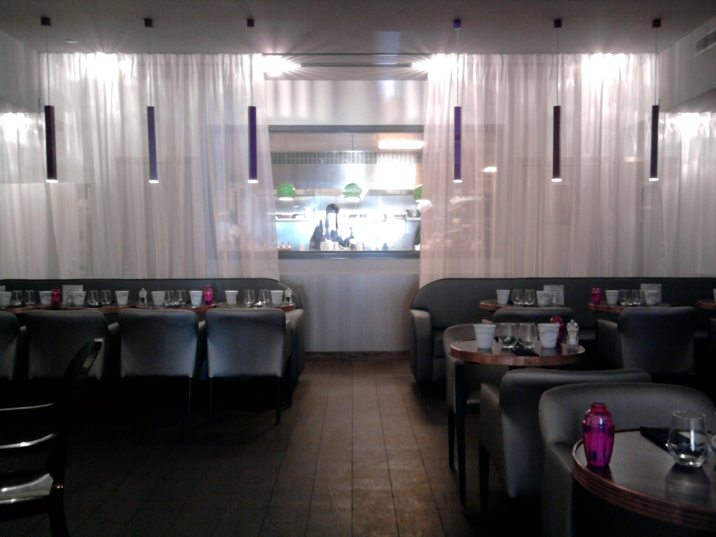Trendy brunch m m the trendy style - Deco lounge epure ...