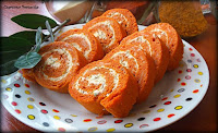 http://czerrrwonaporzeczka.blogspot.com/2014/10/roladki-pomidorowe-z-zioowym-serkiem.html