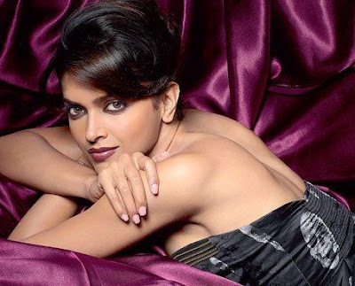 Deepika Padukone Hot Photos, Wallpapers, Pics & Images