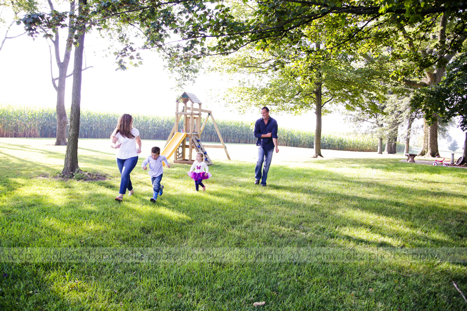photo of family playing together - Paris Illinois Photographer