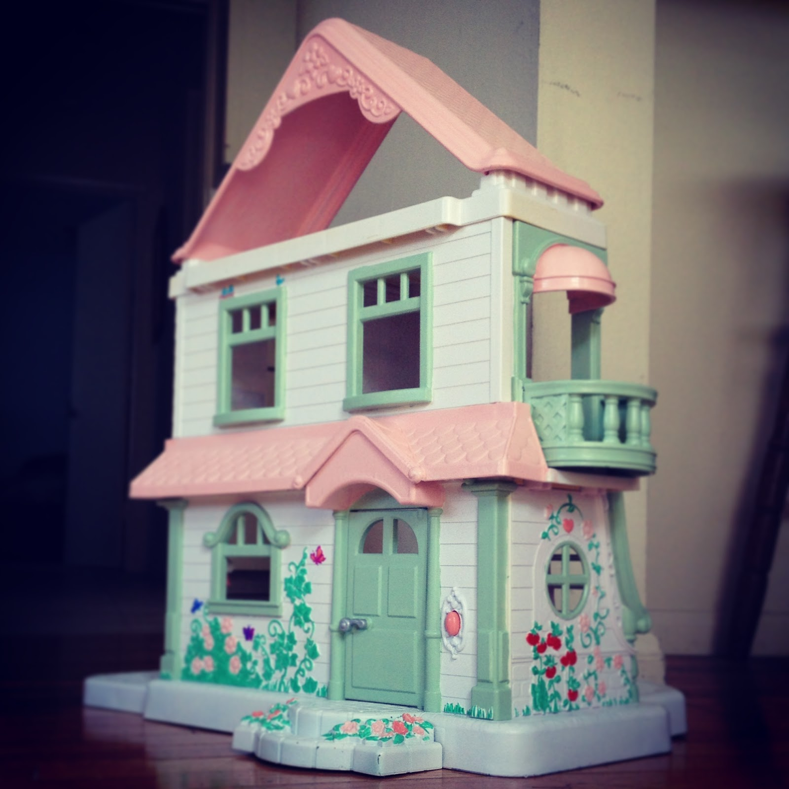 Turned To Design Painted Plastic Doll House