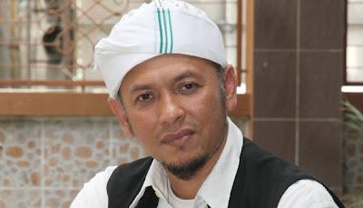 Gambar Iwan Syahman Raja Dangdut Malaysia Berubah Alim