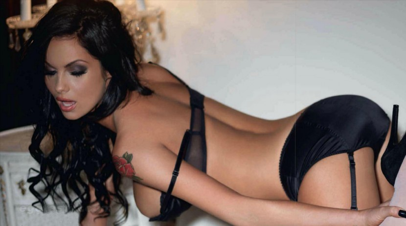 Jessica Jane Clement Bold And Sexy In Nut Magzine.