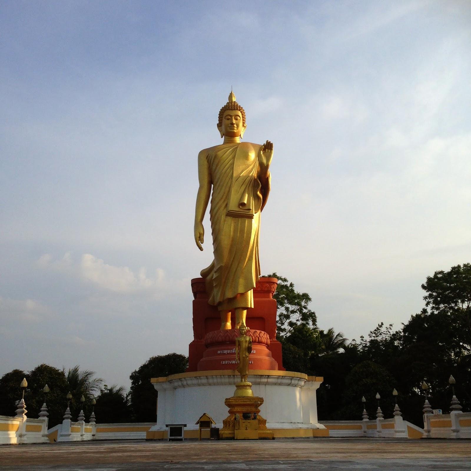 Standing Buddha at Wat Phikulthong