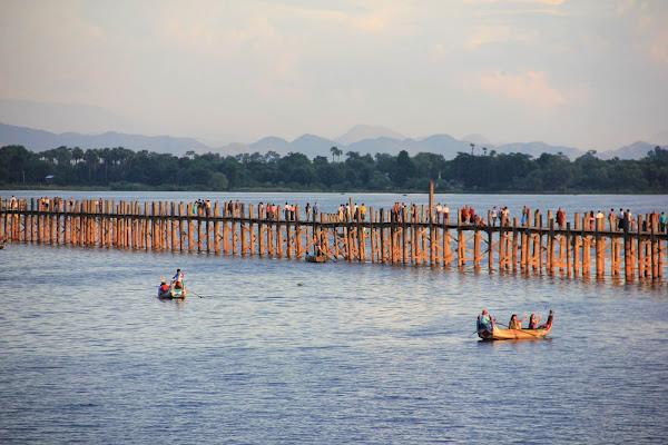 Puente U-Bein en Amarapura (Myanmar)
