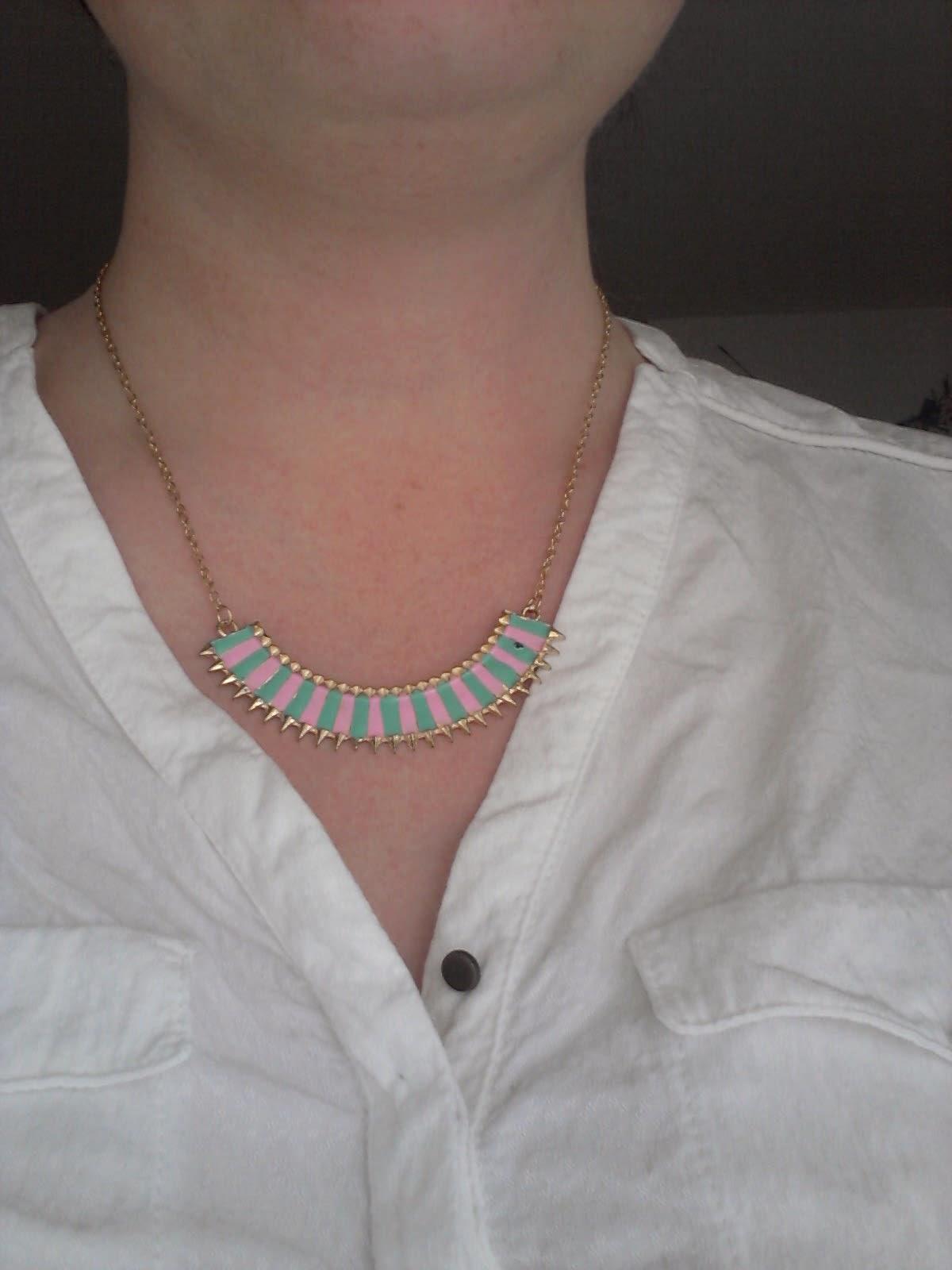 colis-née-jolie-bijoux-plastron
