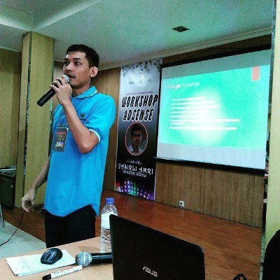 Yasirli Amri Internet Marketer Indonesia Bukan Pembicara Internet Marketing Yang Ngaku Paling Hebat. Ayo Cari Cara Nyari Duit Di Internet, Ayo Gedein Anunya Indonesia!