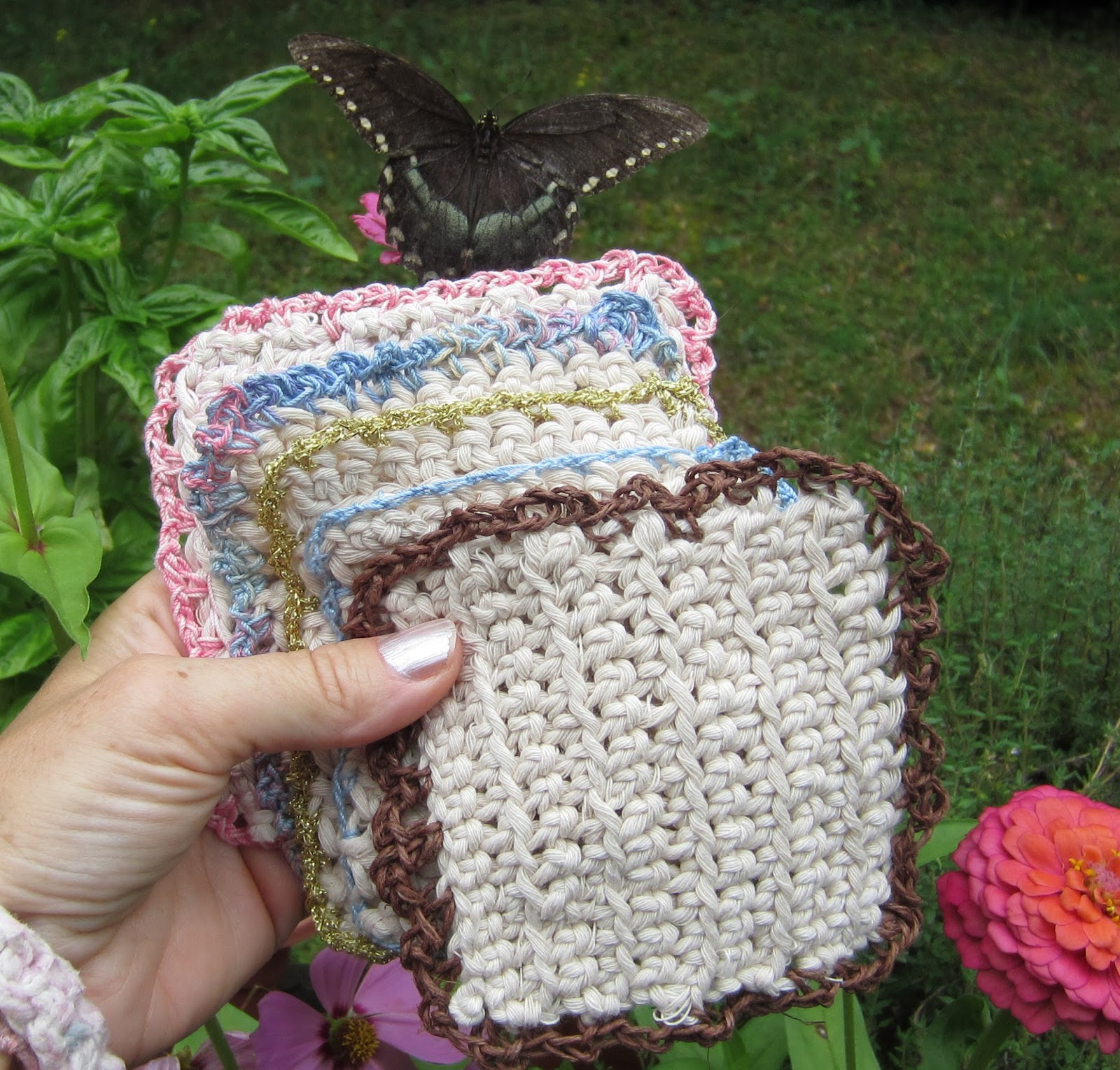 EasyMeWorld: How To Make Crochet Coasters - For Beginners