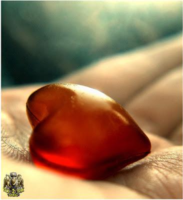 قلب احمر كريستال زجاجى