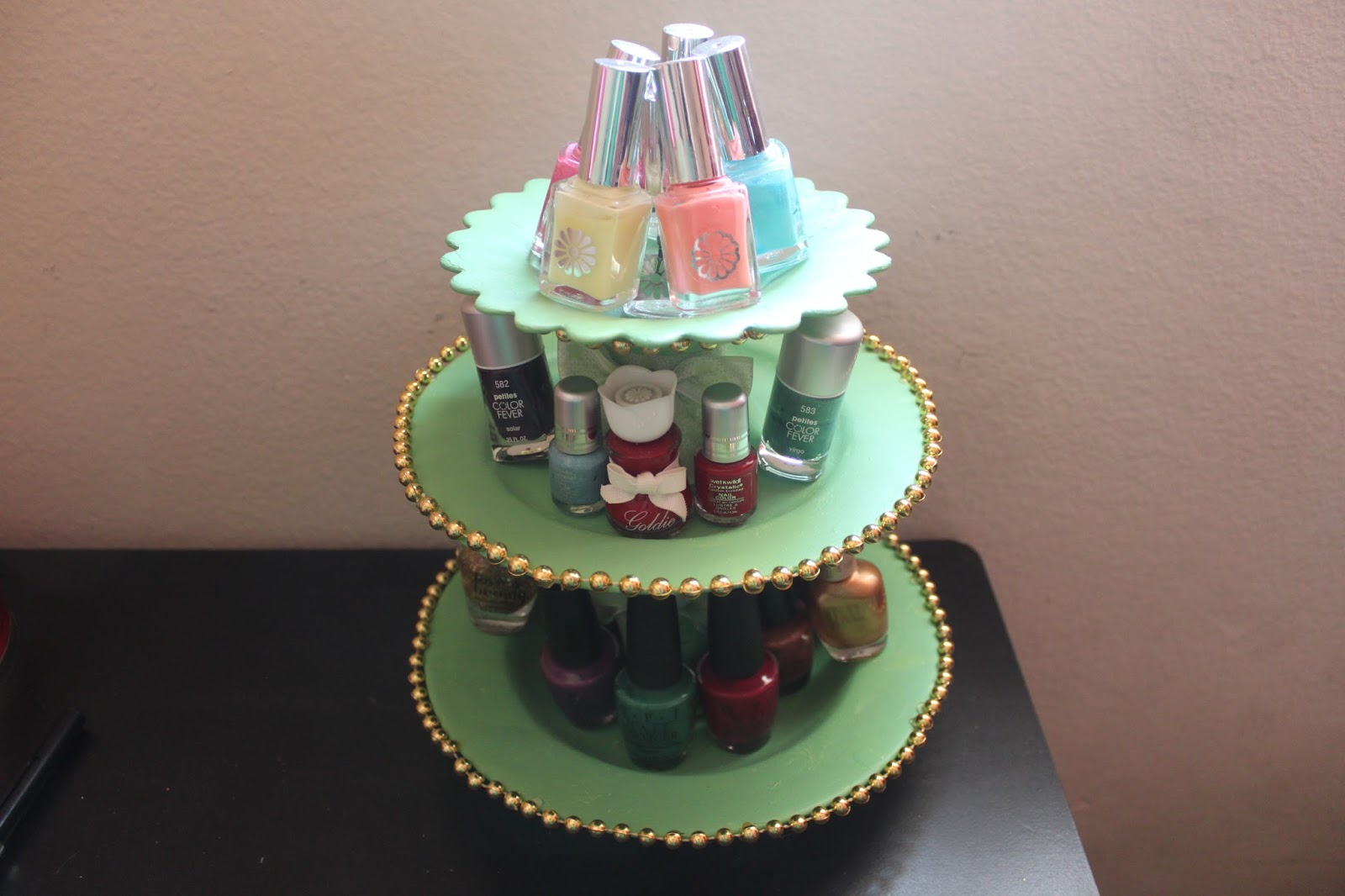 Diy nail polish stand simple stylings wanna learn how to make use of common household objects heres one of the ways to organize your nail polishes if youre a cosmetic hoarder like me solutioingenieria Choice Image