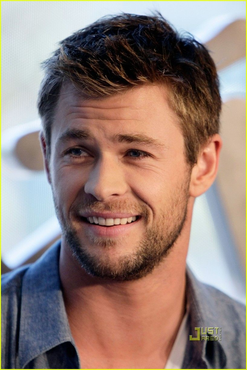 Chris-Hemsworth-chris-hemsworth-27850567-817-1222.jpg