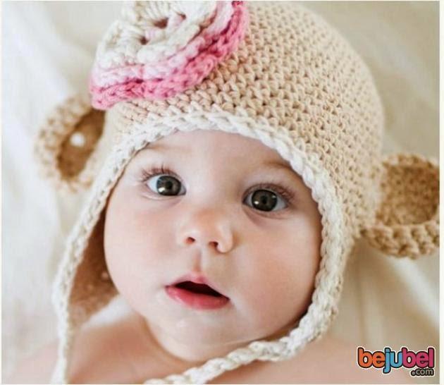 gambar bayi pakai topi