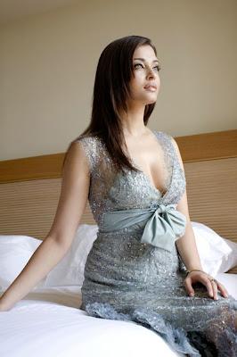 Aishwarya Rai Latest Hot Cleavage Photos