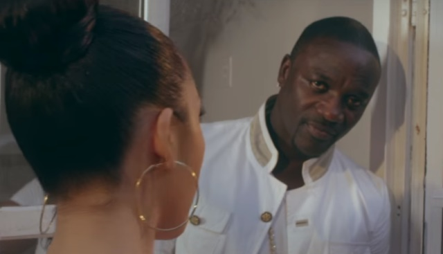 Akon - Shine The Light [Vídeo]