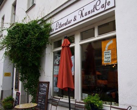 Literatur- und Kunstcafé von außen