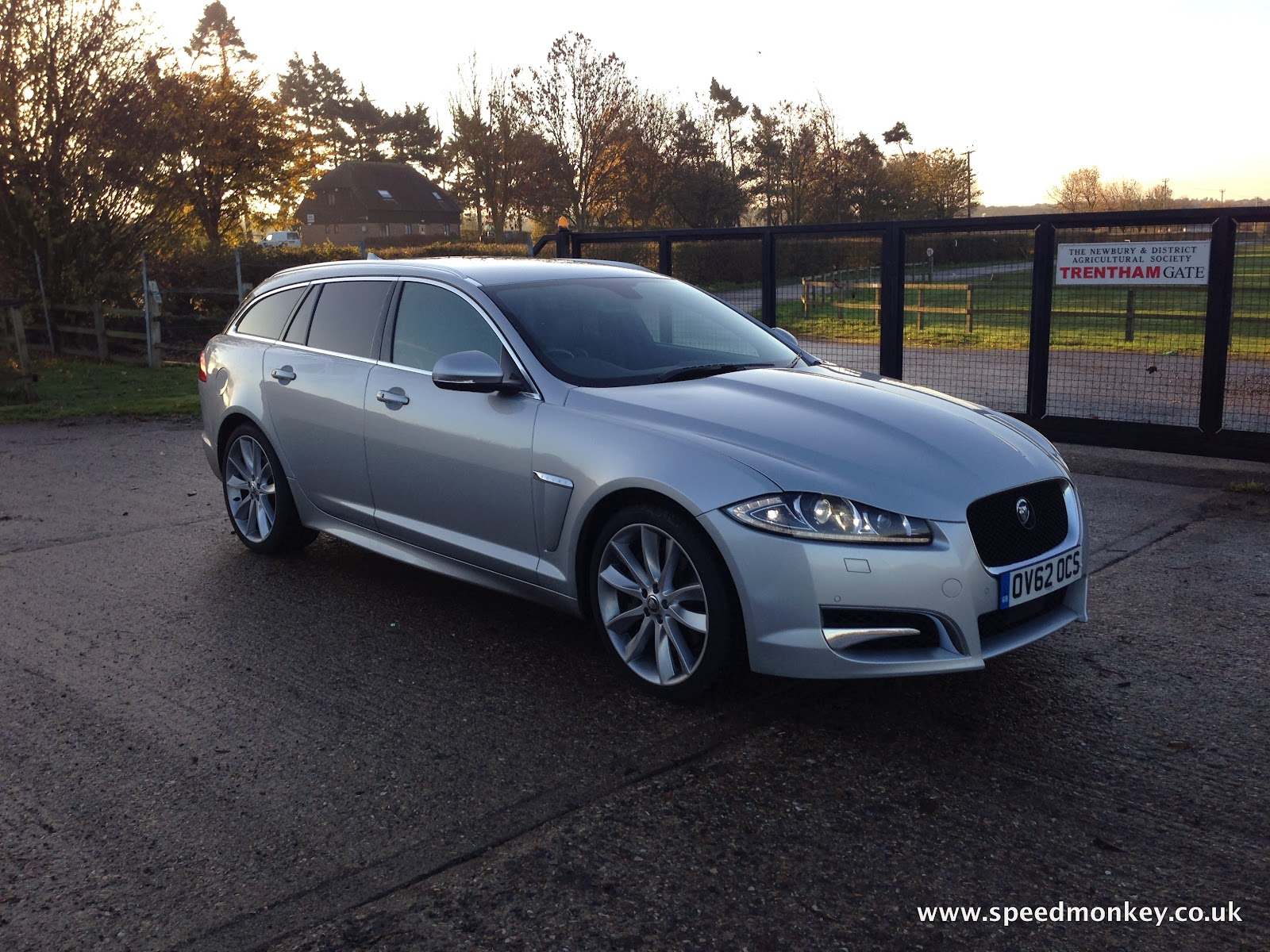 speedmonkey jaguar xf sportbrake s portfolio review. Black Bedroom Furniture Sets. Home Design Ideas
