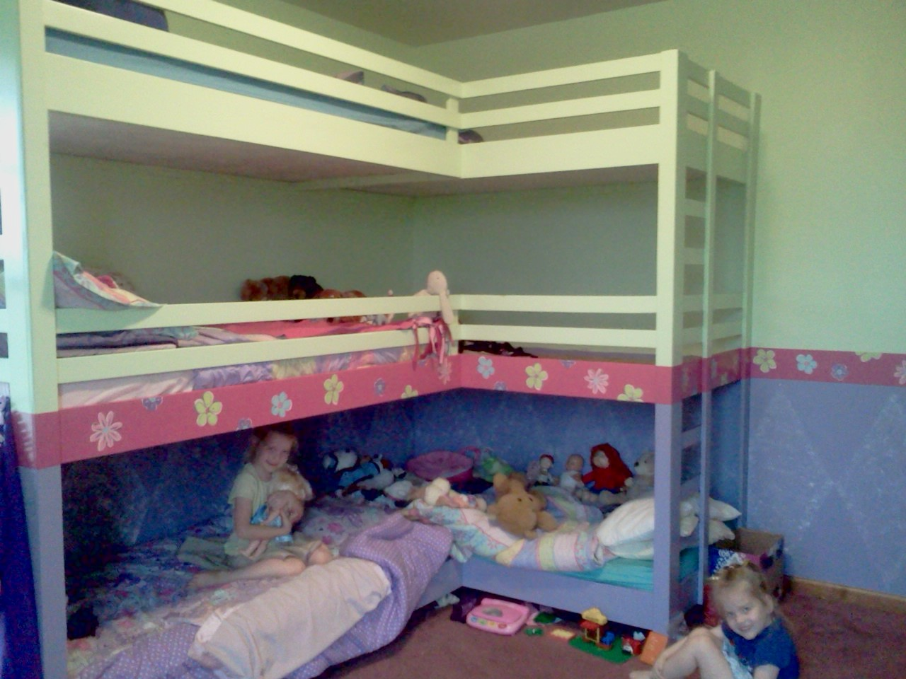 Triple Bunk Beds Girls 1280 x 960