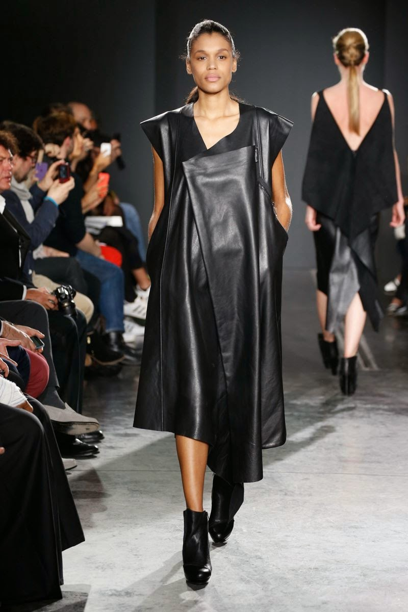 Parsons-Paris, Parsons-school, Parsons-Paris-Senior, Parsons-Paris-Senior-collection, Parsons-Paris-Senior-collection-show, défilé-Parsons-Paris, BFA-Fashion-Design, Lindsay-WALSH, Sacha-GRIGORIK, Nitzan-NEVO, Erika-CHONG, Emanuela-POTORTI, Danielle-COLE, Chris-KIM, Isabel-BLANCO, Kelsey-HUTTON, dudessinauxpodiums, du-dessin-aux-podiums, The-New-School, The-New-School-Parsons-Paris